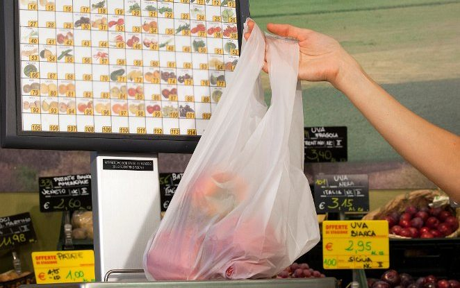France published a decree to reduce single-use plastic bags' consumption