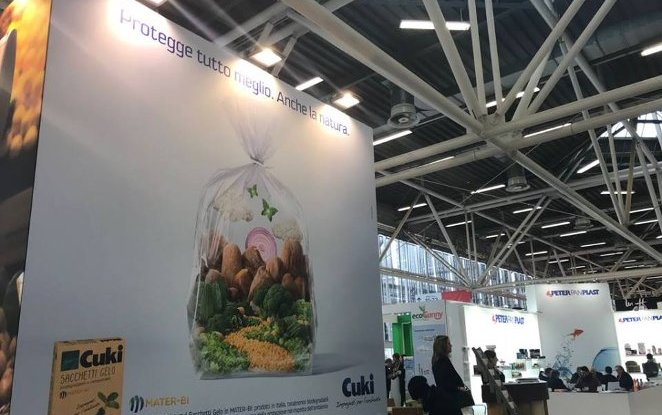At Marca 2018, launched the biodegradable and compostable Cuki Gelo bag made of Mater-Bi